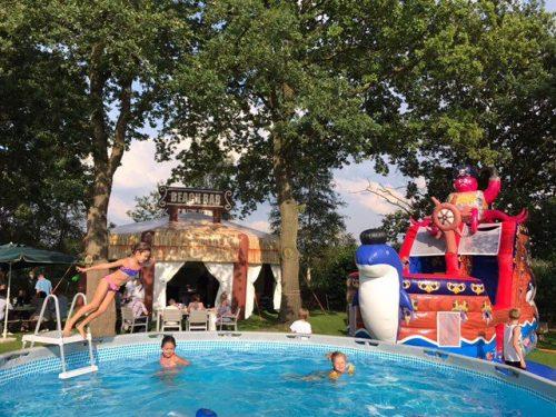 Beach Bar, opblaasbare feesttent, partytent, thema tent huren of kopen bij WE-inflate