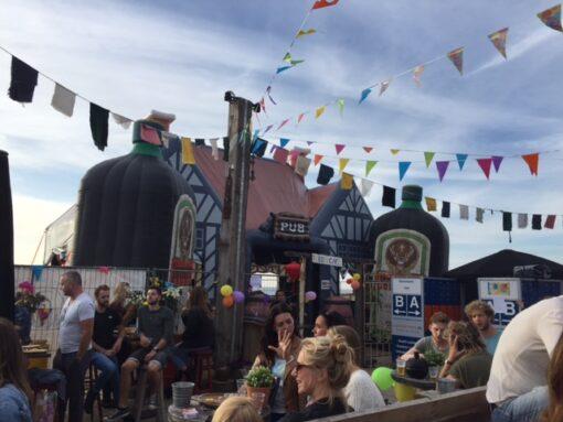 Ierse Pub, opblaasbare feesttent, partytent, thema tent huren of kopen bij WE-inflate