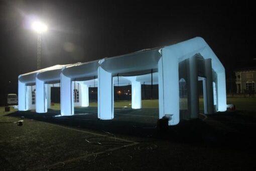 Opblaasbare tent met led verlichting huren of kopen bij WE-inflate
