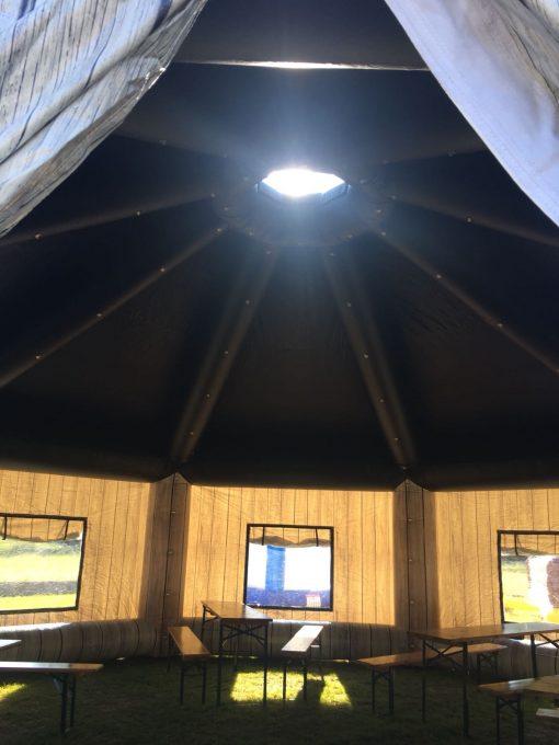 The Lodge, huur of koop een thematent, partytent, feeststent, verkooptent bij WE-inflate Enschede 4