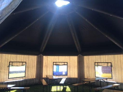 The Lodge, huur of koop een thematent, partytent, feeststent, verkooptent bij WE-inflate Enschede 5