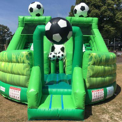 voetbalveld, opblaasbaar voetbalveld, huren bij WE-inflate te Enschede
