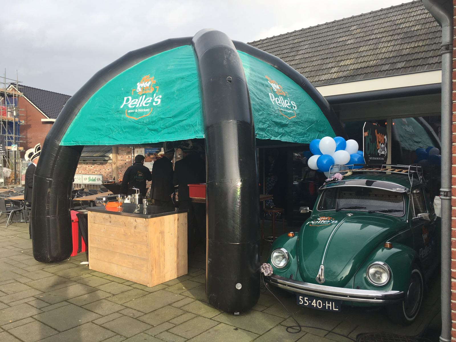 Een Dome, opblaasbare air tight tent, BBQ tent