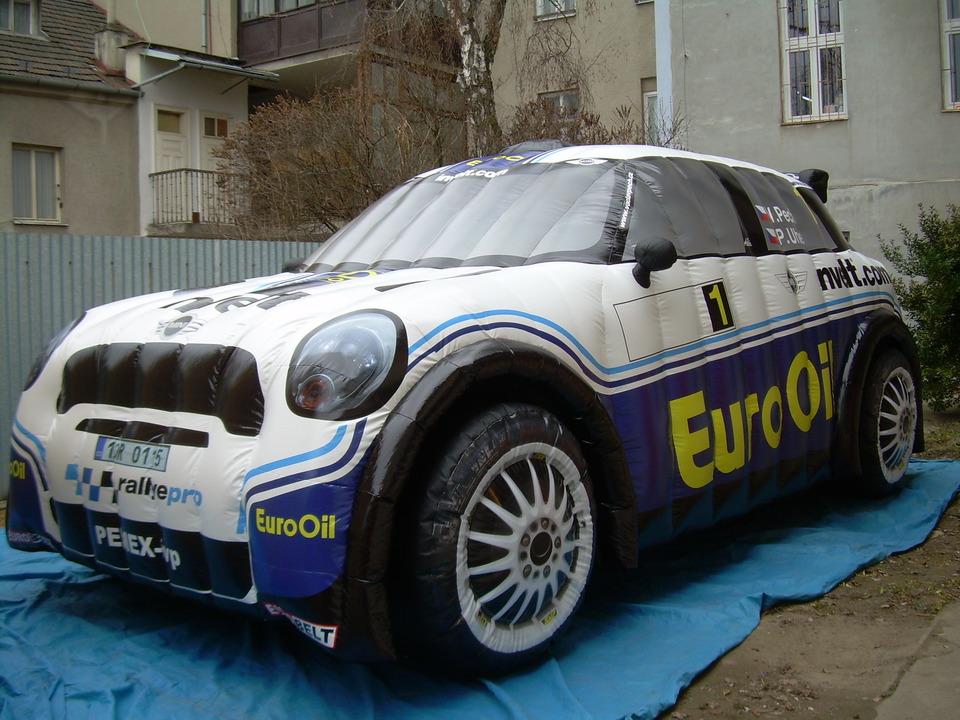 opblaasbare reclame auto, reclame auto kopen bij WE-inflate