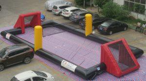 Opblaasbaar voetbalveld cq volleybalveld te koop bij WE-inflate