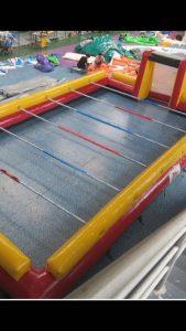 opblaasbare voetbaltafel te koop bij WE-inflate