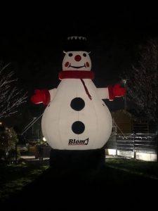 opblaasbare sneeuwpop te koop bij WE-inflate te Enschede 1